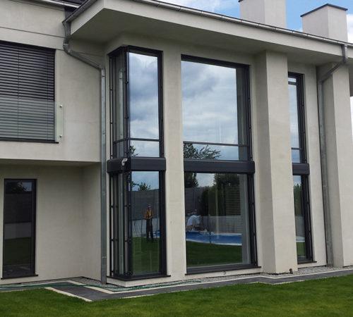 Okna-aluminiowe-drzwi-zaluzje-wewnętrzne-Rolex-Zielona-Gora